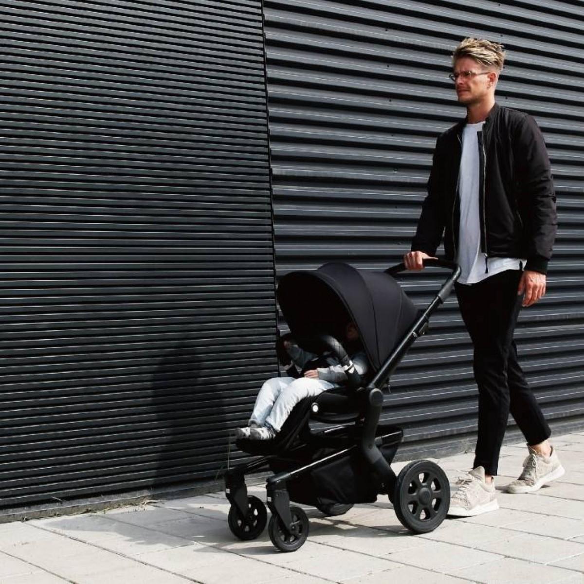 Joolz Hub Nero Full Black Compact All Terrian Stroller