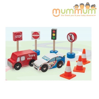 Le Toy Van Road Set Route and Toot Wooden Car Road Sign