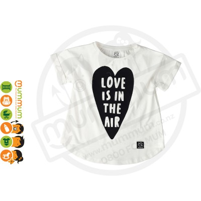 Kukukid T shirt Love is in the air heart